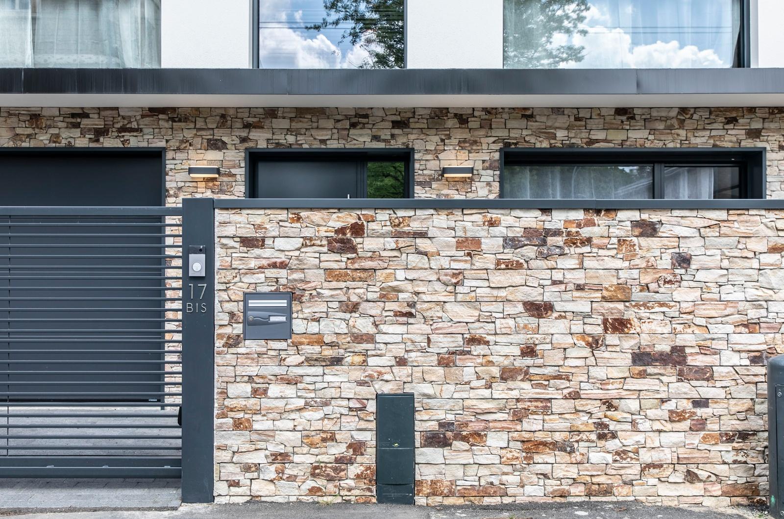 maison parement pierre