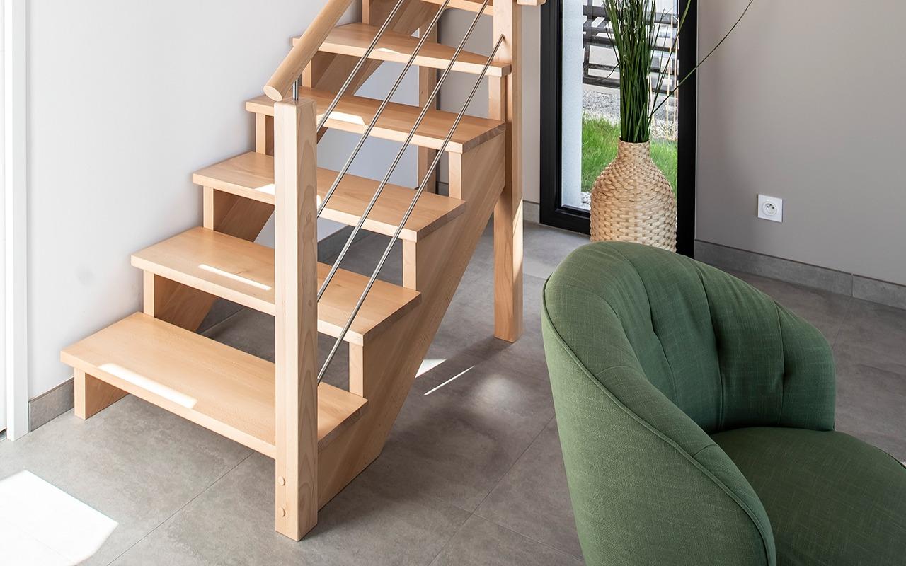 Design pour cet escalier bois et inox